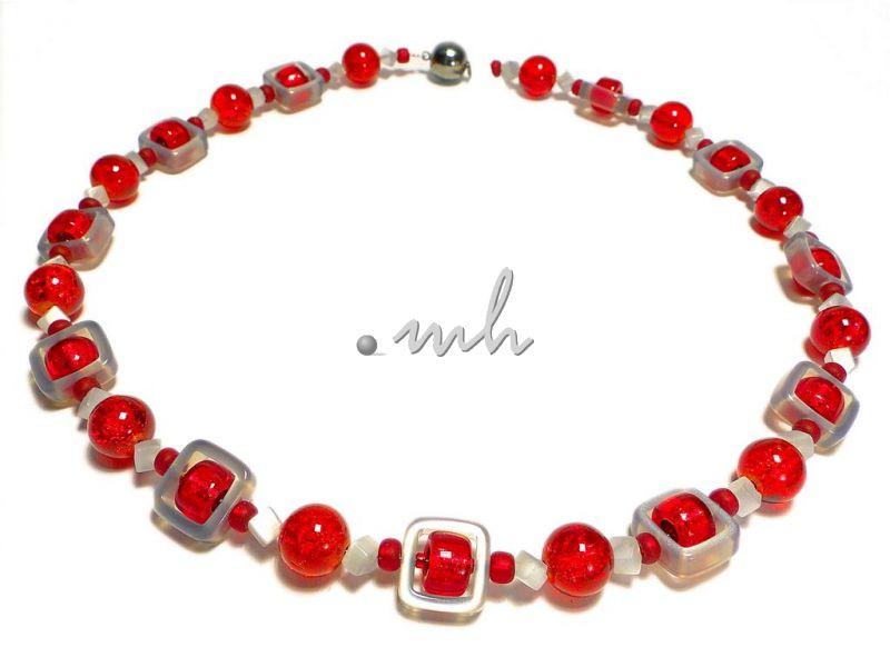 rote glasperlen halskette mit solarisrechtecken 1013 37. Black Bedroom Furniture Sets. Home Design Ideas
